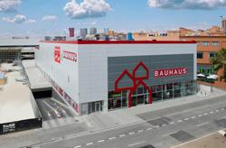 bauhaus inaugura su tienda en barcelona