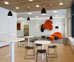 viccarbe equipa las oficinas de microsoft en finlandia