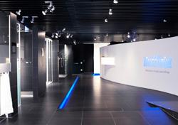 duscholux inaugura su nuevo showroom en barcelona
