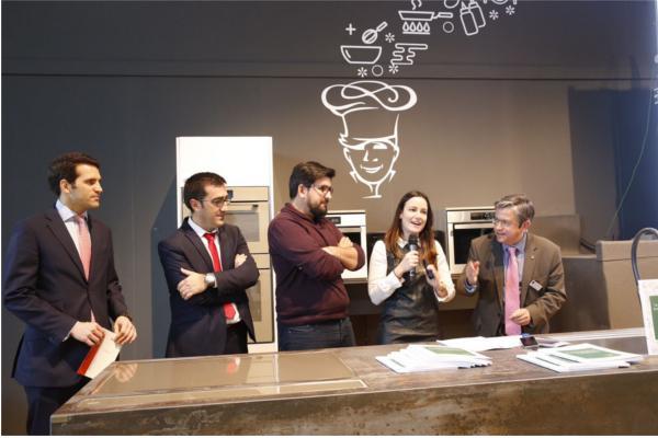 cocina adaptada en vivienda passivhaus gana el concurso de cosentino y pino cocinas  baos