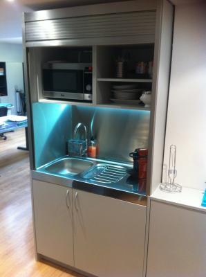 cocinas compactas en las oficinas