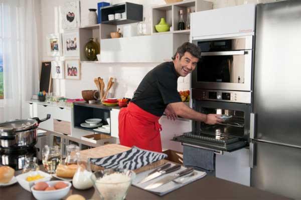 conforama equipa con su mobiliario de cocina los programas de karlos arguiano y bruno oteiza