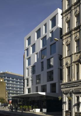 dupont corian ilumina el rostro arquitectonico de la city de londres