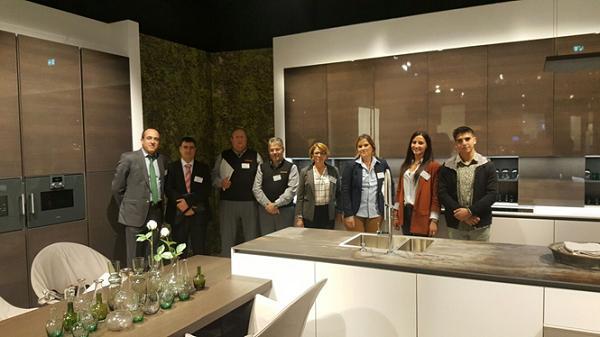 el equipo de central y asociados de dkp visitan la fabrica de alemania