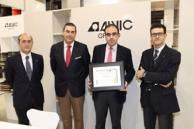 grupo alvic recibe el premio a la mejor imagen de empresa 2014 en maderalia