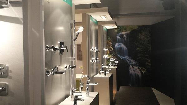 hansgrohe hace un repaso de sus 115 aos en su showroom aquademie