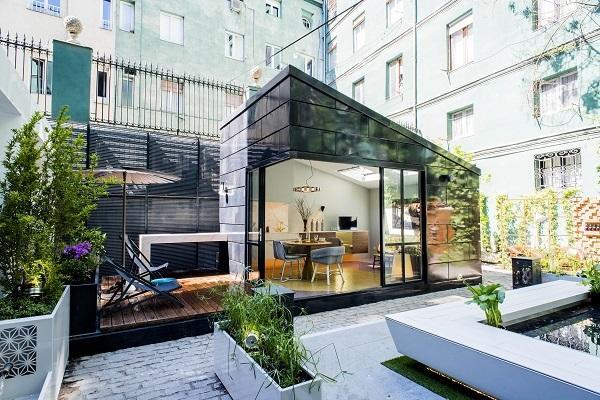 hisbalit presenta un suelo de esttica memphis en el espacio de houzz en casa decor 2016