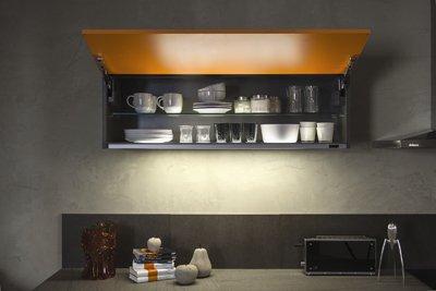 Iluminación elegante de Schmidt Cocinas integrada en sus muebles de ...