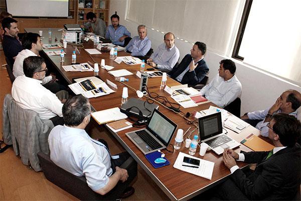 el mueble europeo de oficina evaluar la experiencia de uso para mejorar los equipamientos y el entorno laboral