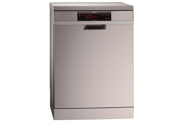 el nuevo lavavajillas de aeg reduce a la mitad el uso de agua