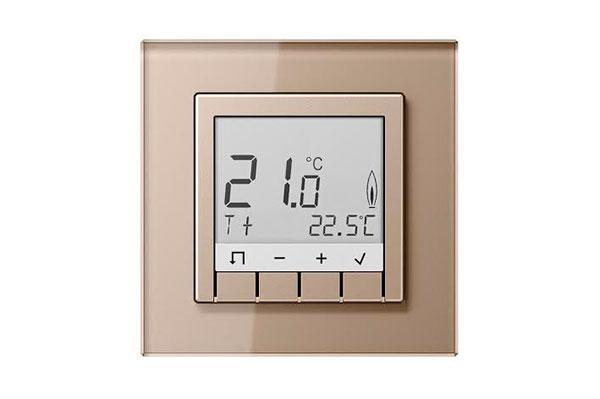 un nuevo termostato con display ampla el catlogo de control de temperatura de jung