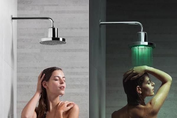 sanindusa lanza las duchas con cromoterapia y bluetooth