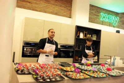 Showcooking de electrolux para inaugurar la nueva tienda de xey en barcelona - Cocinas xey barcelona ...