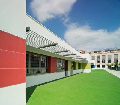 techlam by levantina viste al nuevo colegio n100 de la calle puerto rico de ruzafa