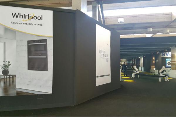 whirlpool muestra las funcionalidades de sus microondas en espacio cocina  sici